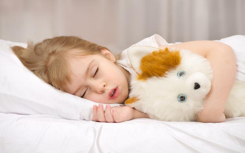 Ребенок скрипит зубами во сне причины