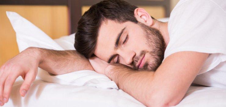 Какая норма глубокого сна для взрослого человека, и как увеличить его продолжительность?