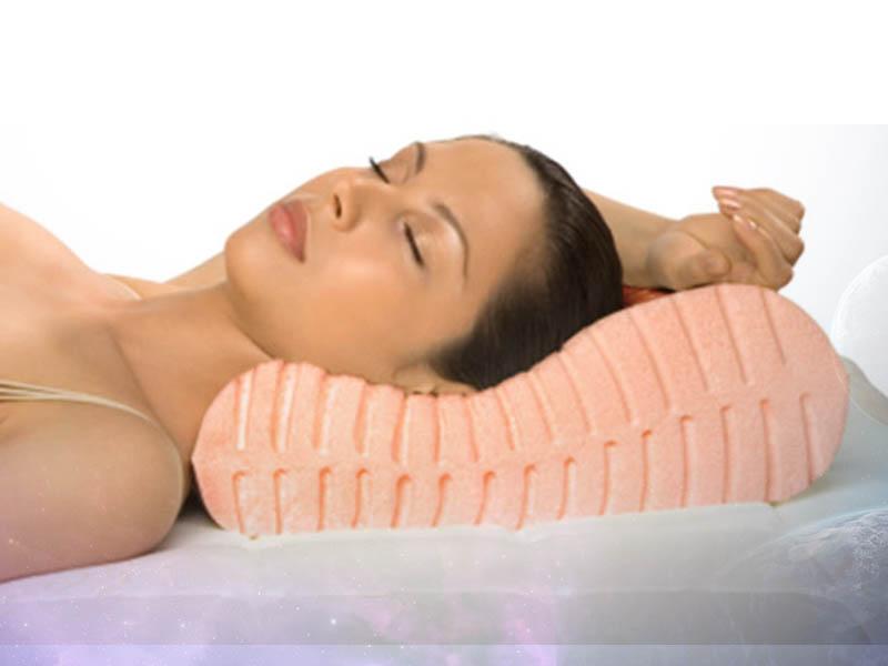 Полезно ли спать без подушки материал