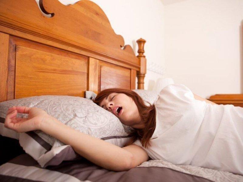 Почему во сне текут слюни причины